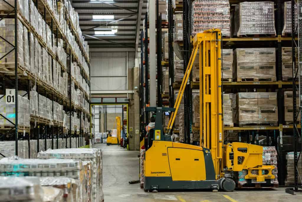 Save expenses, optimize warehouse operations, and ensure workers' safety, we gathered up the best tips and practices from warehouse safety experts.